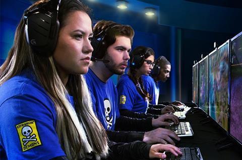 esports-gamers 3x2