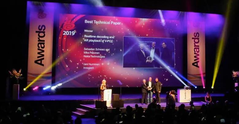Awards_stage_2019_crop